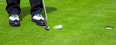 Putt de golf Photographie stock libre de droits