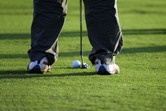 Putt sur le terrain de golf Photos stock
