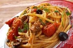 Puttanesca d'alla de spaghetti Photos stock