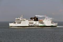 Puttgarden, Duitsland - hybride-Veerboot aan Denemarken Royalty-vrije Stock Foto