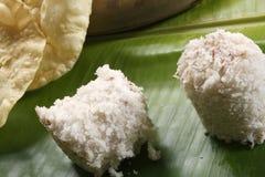 Puttu Papad - ein breakast Teller von Kerala, Indien Stockbilder