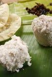 Puttu Papad - un plat de breakast du Kerala, Inde Photo stock