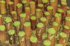Putu bambu dekatyzujący w drymbach Obrazy Royalty Free