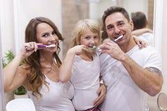 Putzen unserer Zähne Stockfotos