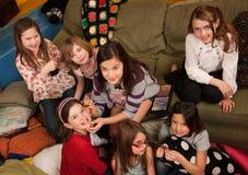 Putzende Mädchen stockfoto