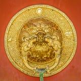 Puxador da porta dourado de Beauriful Fotografia de Stock