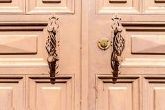 Puxadores da porta Handcrafted do metal Imagens de Stock Royalty Free