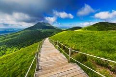 Puy de Dome βουνό και Auvergne τοπίο κατά τη διάρκεια του πρωινού Στοκ φωτογραφίες με δικαίωμα ελεύθερης χρήσης