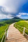 Puy de Dome βουνό και Auvergne τοπίο κατά τη διάρκεια του πρωινού Στοκ Φωτογραφίες