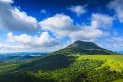 Puy de Dome βουνό και Auvergne τοπίο Στοκ φωτογραφία με δικαίωμα ελεύθερης χρήσης