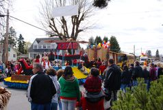 Puyallup Tribe float in the Daffodil Parade Royalty Free Stock Photos