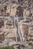 Puye Cliff Dwellings sont des runes où les personnes antiques de pueblo, appelées Anasazi, vécu images stock