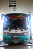 Puyo, Equador, 5-5-2019: Transporte público - o ônibus de Jumandy que vai a Tena fotos de stock royalty free