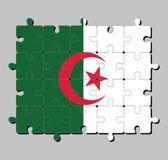 Puzzel van de vlag van Algerije in twee gelijk die verticale strepen, groen en wit, in het centrum met een rode ster en een halve royalty-vrije illustratie