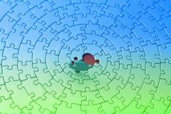 Puzzle blu-verde con l'ultima parte dritta Fotografia Stock