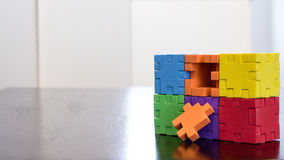 Puzzle coloré de cube Images libres de droits
