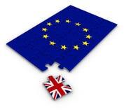 Puzzle con la bandiera nazionale della Gran Bretagna e di Europa Fotografia Stock