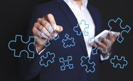 Puzzle de main d'homme d'affaires illustration stock