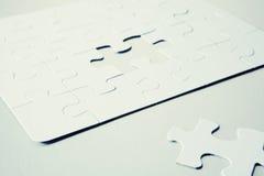 Puzzle del puzzle con la parte mancante Fotografia Stock Libera da Diritti