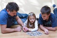 Puzzle della famiglia fotografia stock libera da diritti