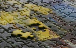 Puzzle denteux inachevé photographie stock