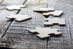 Puzzle sul concetto di affari del gruppo dei bordi di legno Fotografia Stock Libera da Diritti