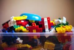 Puzzles colorés dans la boîte Photos libres de droits