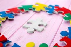 Puzzles de couleur sur le fond Photos libres de droits