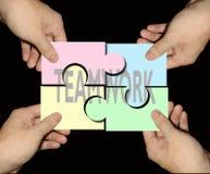 Puzzles de travail d'équipe d'affaires photographie stock libre de droits