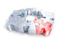 Puzzles denteux en verre avec un morceau rouge individualité différente Photos stock