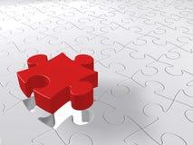 Puzzlespiel-letztes Stück, das unten, zackiges Konzept, weißer Hintergrund kommt Lizenzfreies Stockfoto