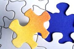 Puzzlespiel-passendes Stück Lizenzfreie Stockbilder
