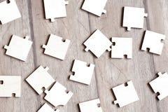 Puzzlespiele auf Fußboden Lizenzfreies Stockbild