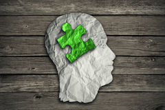 Puzzlespielhauptlösungskonzept Symbol der psychischen Gesundheit Stockfotografie
