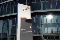 PWC-Toren in de Economische sector van Cuatro Torres Madrid, Spanje stock fotografie