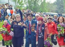 PYATIGORSK, RUSSIE - 9 MAI 2017 : Vétérans avec des médailles La célébration de Victory Day photographie stock libre de droits