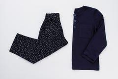 Pyjama du ` s d'enfants réglé sur le blanc Image stock