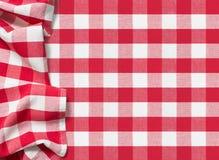 Pyknicznego tablecloth w kratkę czerwony tło zdjęcie royalty free