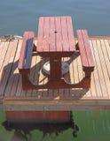 Pykniczny stół na boardwalk Zdjęcie Royalty Free