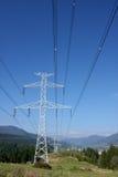 Pylône de l'électricité en nature. Image libre de droits