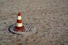 Pylône sur le sable photographie stock