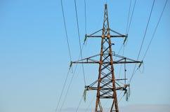 Pylône électrique de transmission Photographie stock