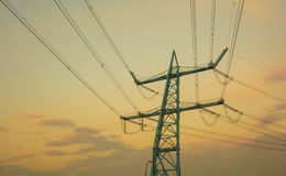 Pylône bleu de l'électricité Photographie stock