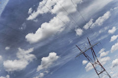 Pylon och kraftledning Arkivbilder