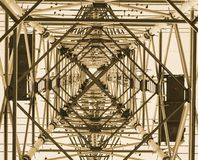 Pylon underifrån royaltyfri fotografi