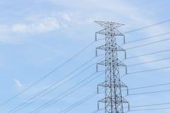 Pylonen en kabel Stock Foto's