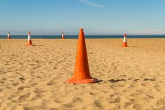 Pyloner på stranden Arkivfoto