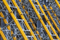 Pylonstahlunterstützung Haltestangen für Wände und Gebäude Stockbild