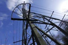 Pyloon in de hemel. Stock Afbeeldingen