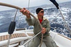 PYLOS,希腊-水手参加航行赛船会 免版税库存照片